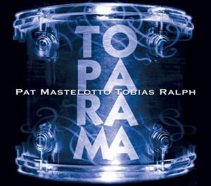 Trumslagarna Pat Mastelotto och Tobias Ralph släpper album ihop.