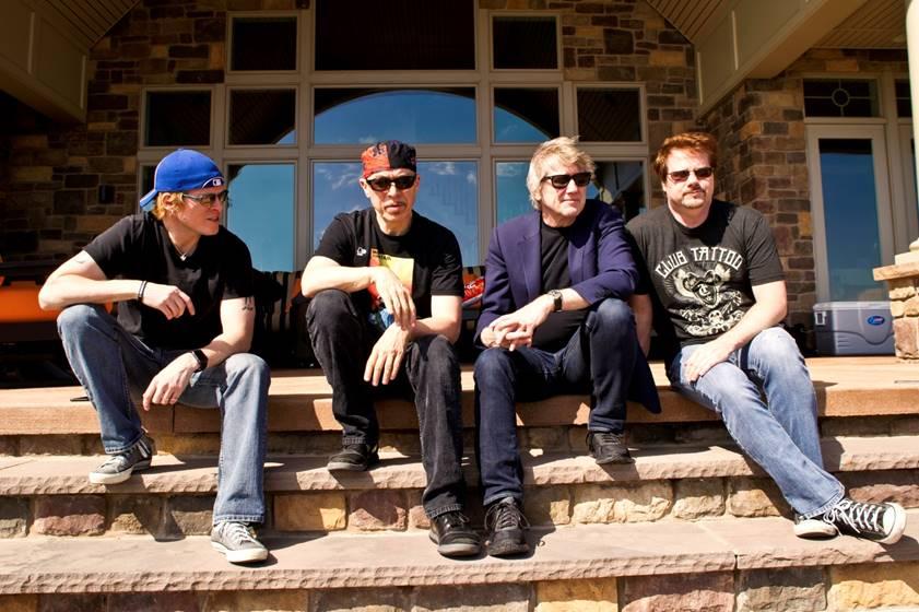 RESolution9 – nytt band med Rik Emmett.