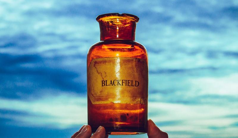 Blackfield V ute i november.