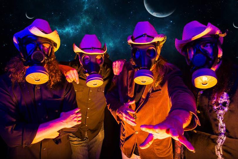 Galactic Cowboys återförenas med originaluppsättningen och gör sin första platta på 17 år!