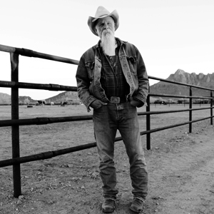 seasick-steve-keepin-the-horse-between-me-and-the-ground-2016-web